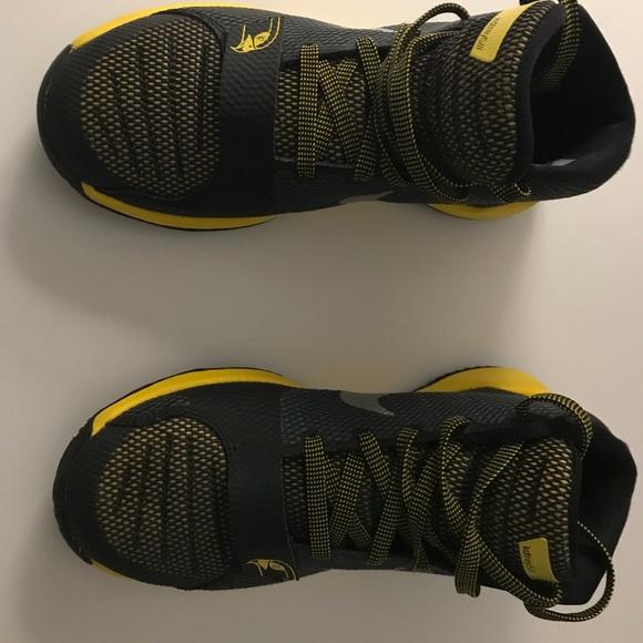 5641f09899d2 Nike Kevin Durant Trey 5 III Kids Basketball Shoe.  M 5b4f1c009fe48651e40d326a